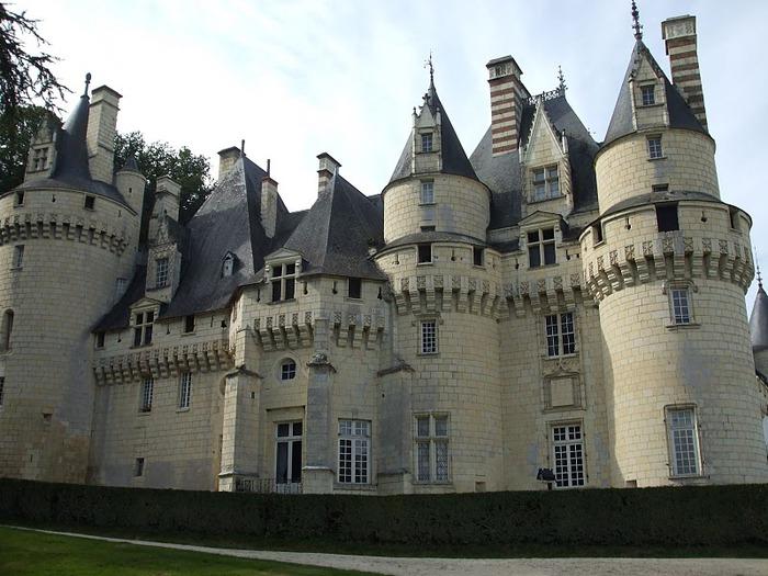 Замок Юссе - «замок спящей красавицы» 33968