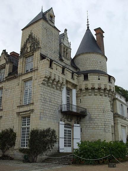 Замок Юссе - «замок спящей красавицы» 32542