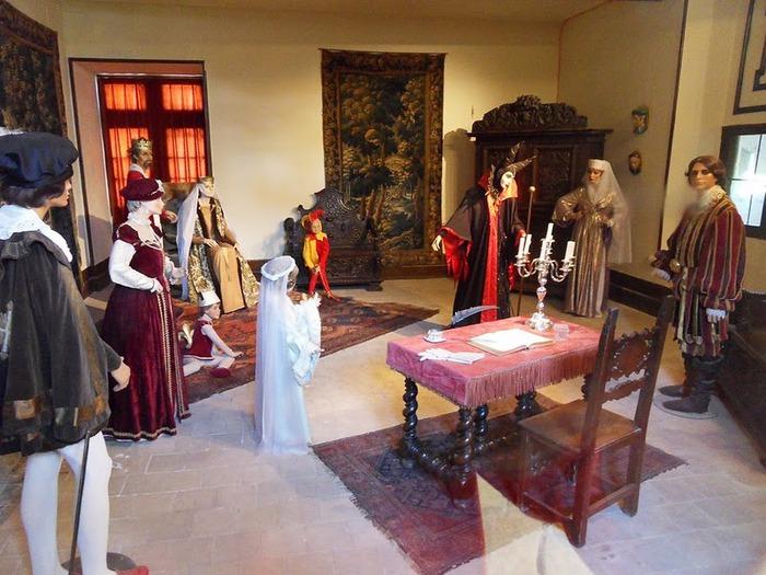 Замок Юссе - «замок спящей красавицы» 61628