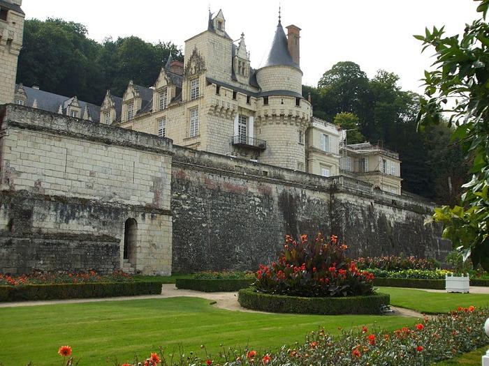 Замок Юссе - «замок спящей красавицы» 70153