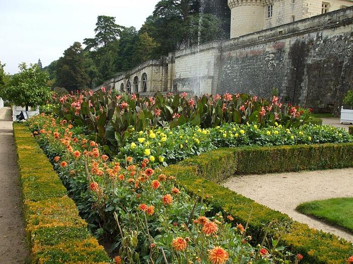 Замок Юссе - «замок спящей красавицы» 15209