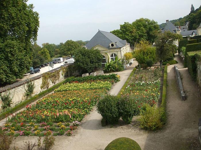 Замок Юссе - «замок спящей красавицы» 43760