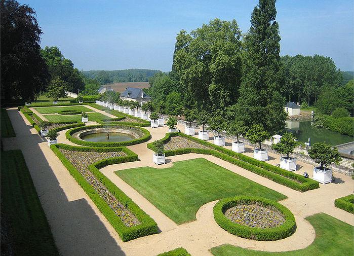 Замок Юссе - «замок спящей красавицы» 13026