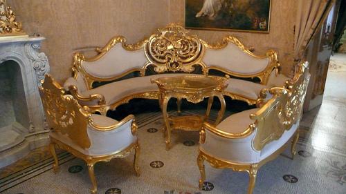 Палаццо Паризио 70212