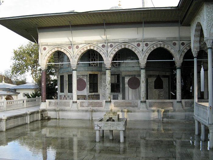 Дворец Топкапы (Topkapi Sarayi)-«турецкий Эрмитаж» 85300