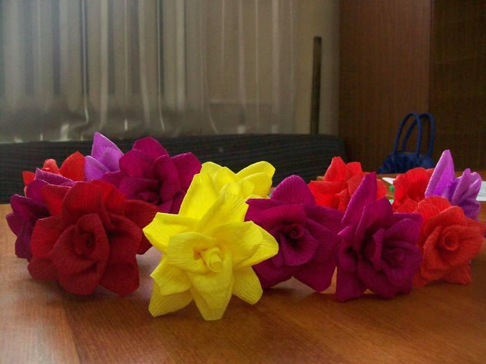 Цветы из гофрированной бумаги картинки