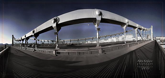 Глаз Крымского Моста