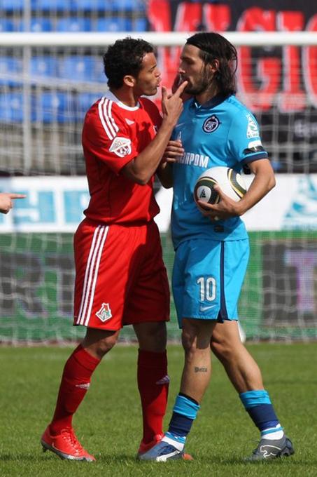 РФПЛ. 5-й тур. «Зенит» - «Локомотив» на стадионе Петровский в Санкт-Петербурге, 11 апреля 2010 года.