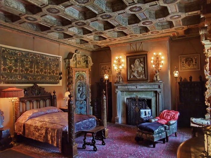 Hearst Castle - дворец на вершине горы над океаном 62190