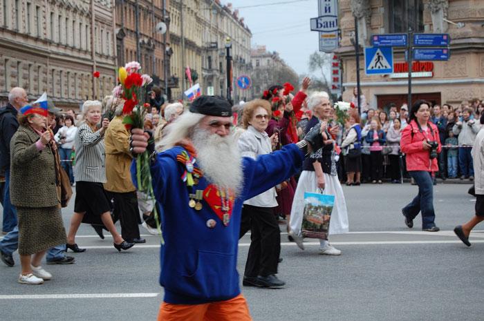 день победы в питере, шествие ветеранов в санкт-петербурге