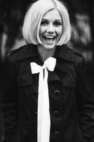 красивые девушки с короткими волосами картинки блондинки