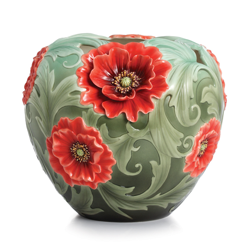 ceramic art: beautiful vase
