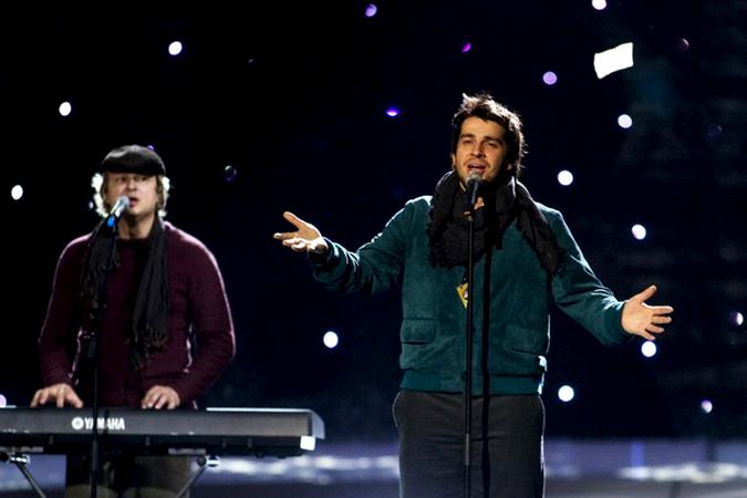 Петр Налич репетирует в ходе подготовки предстоящего конкурса Евровидение (Eurovision) на Telenor Arena недалеко от Осло, Норвегия, 16 мая 2010 года.