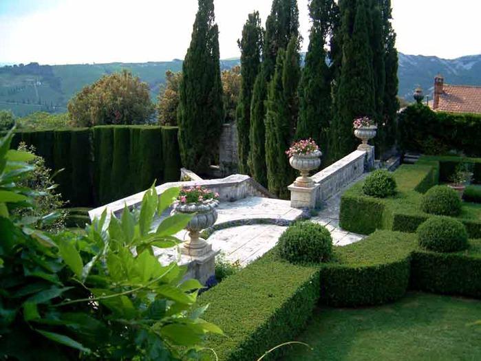 59327394 italian tour 5 Most Beautiful Gardens in the World