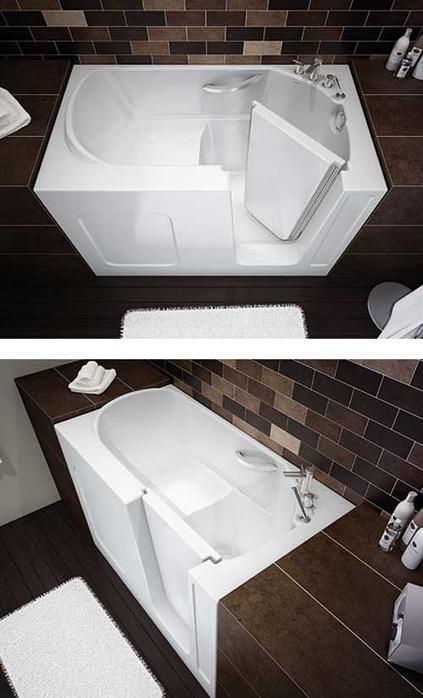 сидячая ванна и дверца открытая