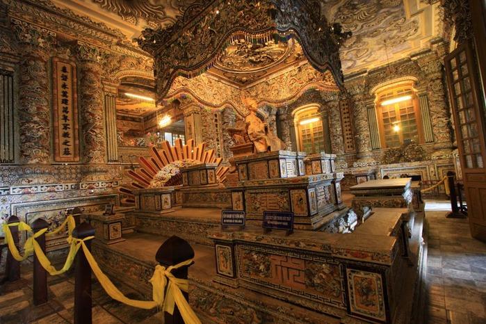 Мавзолей Кхай Динь -Tomb of Khai Dinh 13718