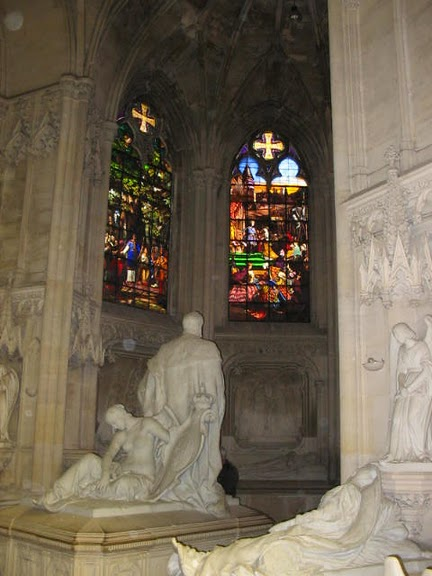 La chapelle royale de Dreux-Королевская капелла в Дрё 82524