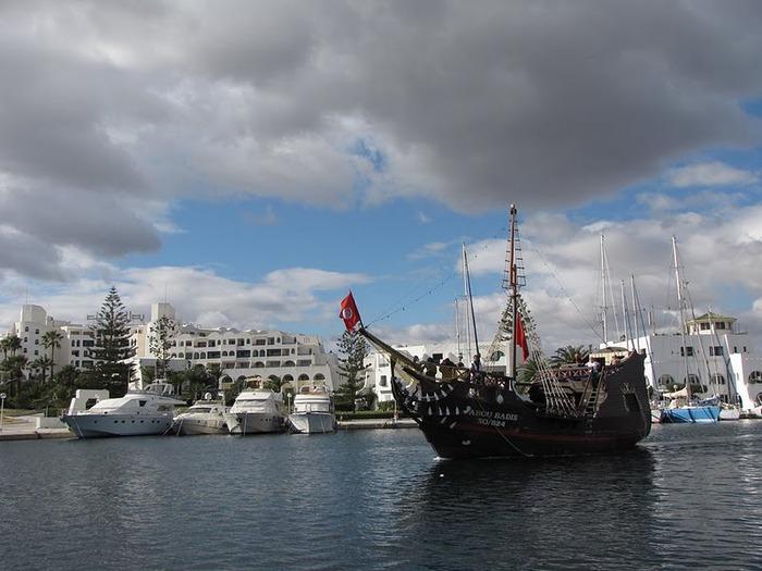 Порт Эль Кантауи 64632