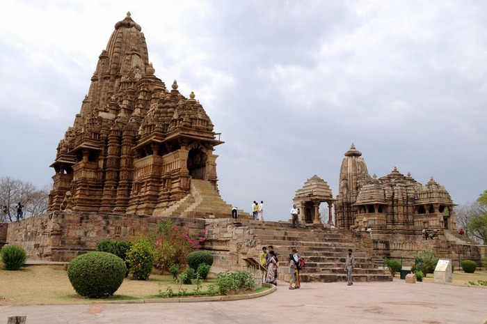 ИНДИЯ: Храмы Кхаджурахо (The Temples of Khajuraho) 77766