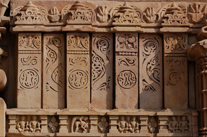 ИНДИЯ: Храмы Кхаджурахо (The Temples of Khajuraho) 85241