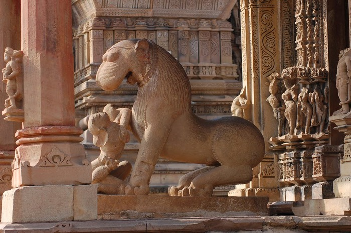 ИНДИЯ: Храмы Кхаджурахо (The Temples of Khajuraho) 72515