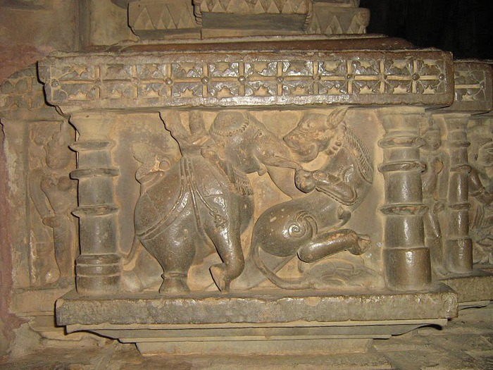 ИНДИЯ: Храмы Кхаджурахо (The Temples of Khajuraho) 47576