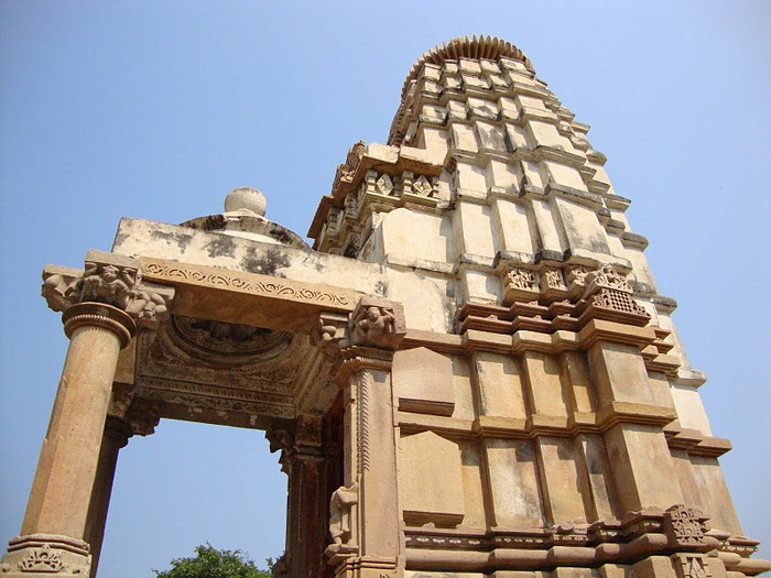 ИНДИЯ: Храмы Кхаджурахо (The Temples of Khajuraho) 31070