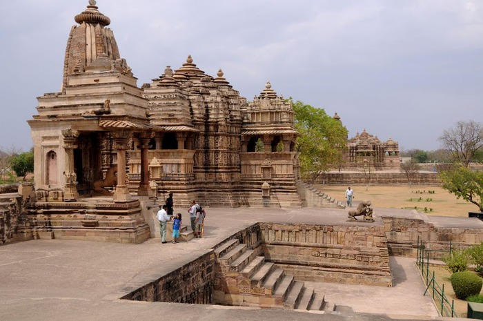 ИНДИЯ: Храмы Кхаджурахо (The Temples of Khajuraho) 76893