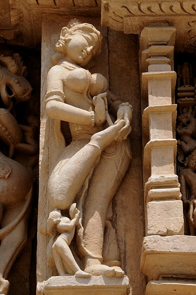 ИНДИЯ: Храмы Кхаджурахо (The Temples of Khajuraho) 92556