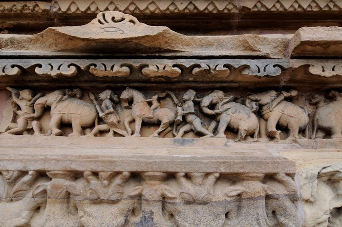 ИНДИЯ: Храмы Кхаджурахо (The Temples of Khajuraho) 75131