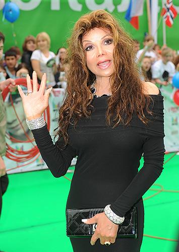 "В ""Олимпийском"" вручили премии Муз-ТВ 2010, 11 июня 2010 года."
