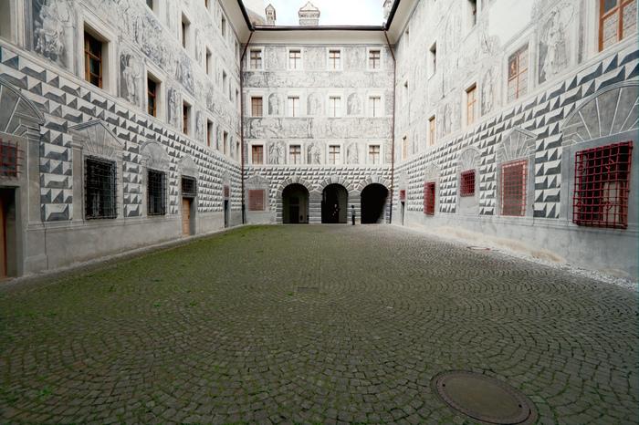 дворец Амбрас (Castle Ambras) 18703