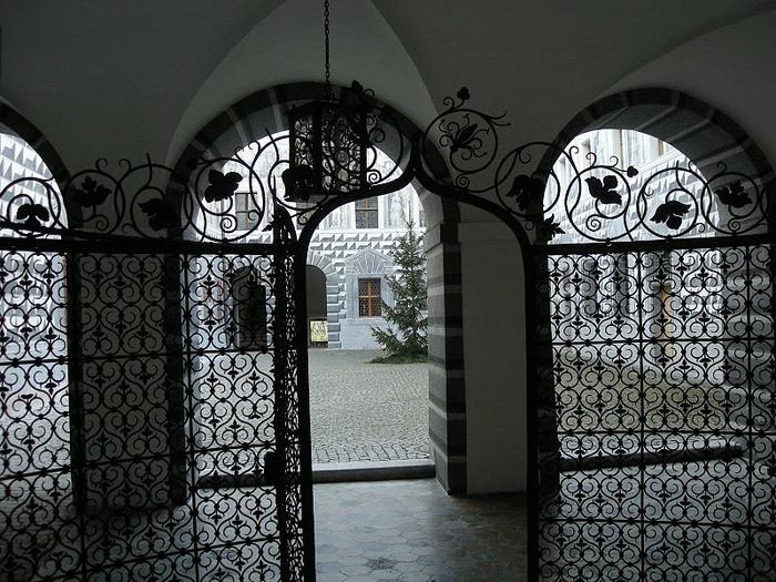дворец Амбрас (Castle Ambras) 32810