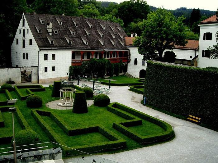 дворец Амбрас (Castle Ambras) 94892