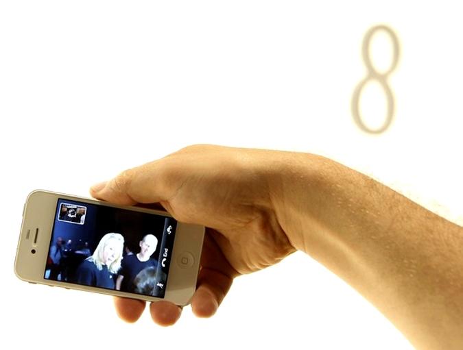 Стив Джобс представил iPhone четвертого поколения, международная конференция WWDC-2010 (Worldwide Developers Conference) для девелоперов в Сан-Франциско, 7 июня 2010 года.