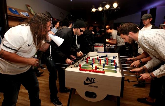 Настольный футбол становится популярным, Окленд, Новая Зеландия, 15 июня 2010 года.