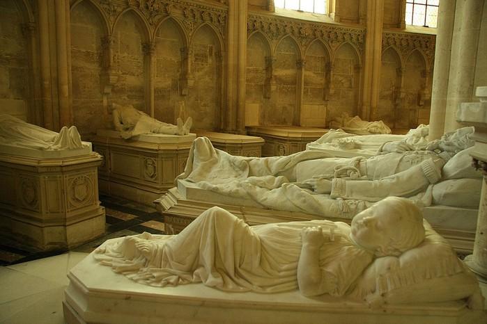 La chapelle royale de Dreux-Королевская капелла в Дрё 10447