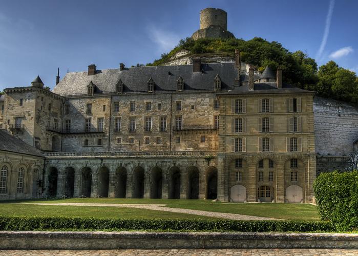 Замок Ла Рош-Гюйон (La Roche-Guyon) 25762