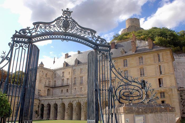 Замок Ла Рош-Гюйон (La Roche-Guyon) 50916