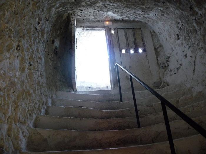 Замок Ла Рош-Гюйон (La Roche-Guyon) 95760