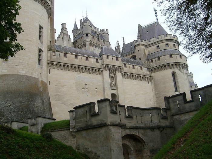 Замок Пьерфон ( фр. Chateau de Pierrefonds ) 46674