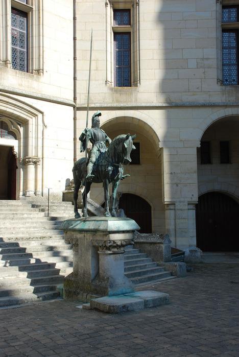 Замок Пьерфон ( фр. Chateau de Pierrefonds ) 22625