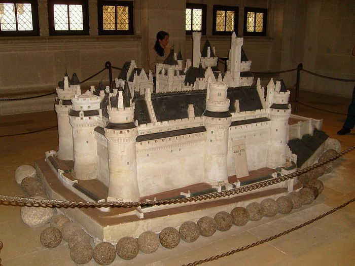 Замок Пьерфон ( фр. Chateau de Pierrefonds ) 23424