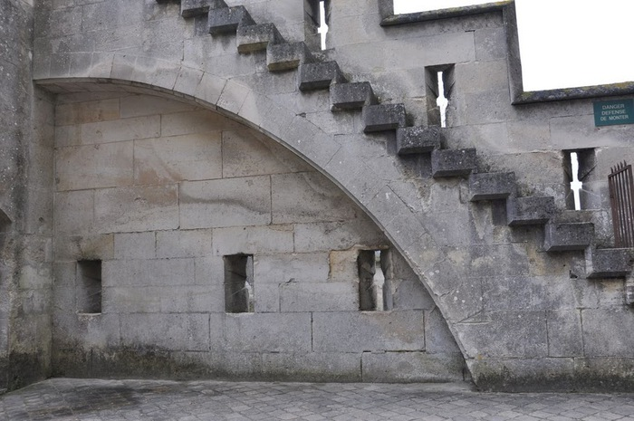 Замок Пьерфон ( фр. Chateau de Pierrefonds ) 37214