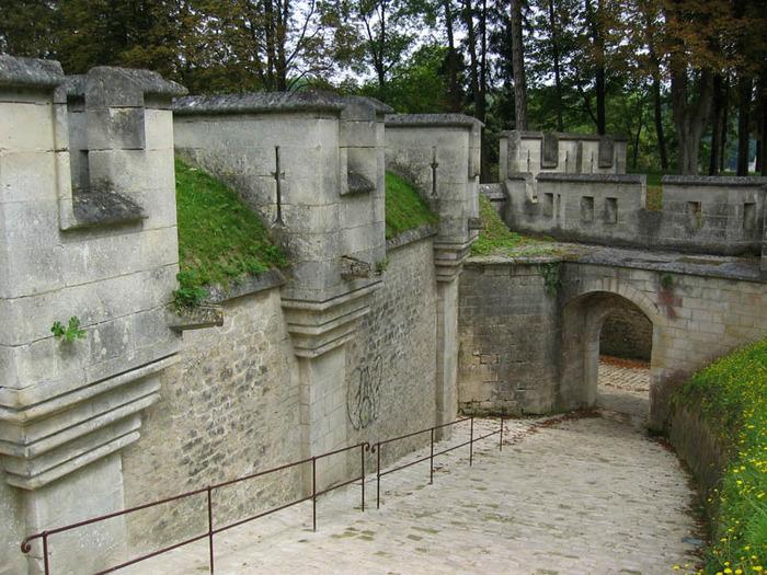 Замок Пьерфон ( фр. Chateau de Pierrefonds ) 70406