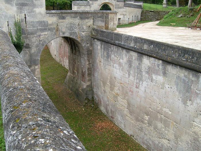 Замок Пьерфон ( фр. Chateau de Pierrefonds ) 80521