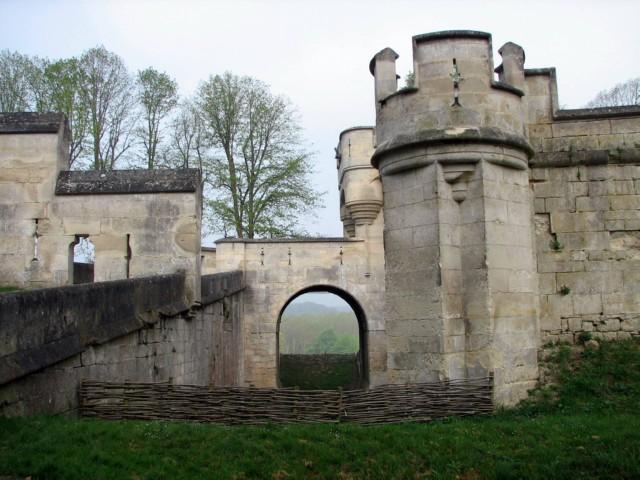 Замок Пьерфон ( фр. Chateau de Pierrefonds ) 17834