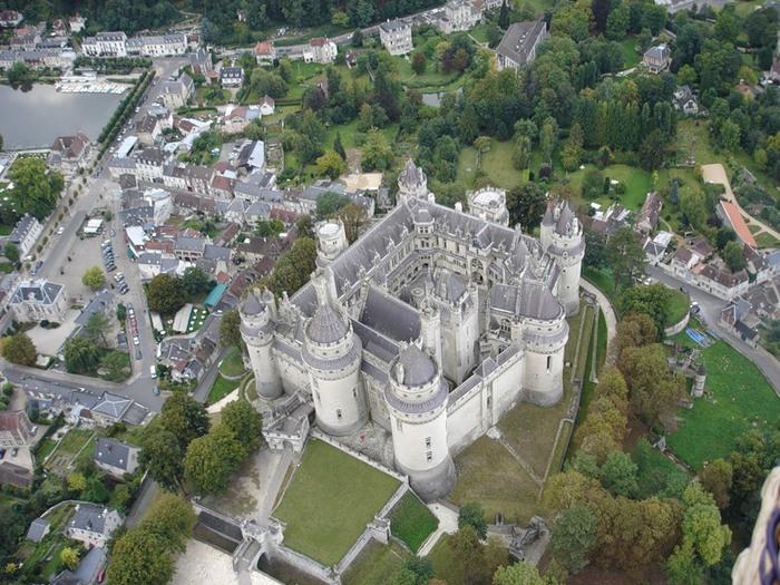 Замок Пьерфон ( фр. Chateau de Pierrefonds ) 90937