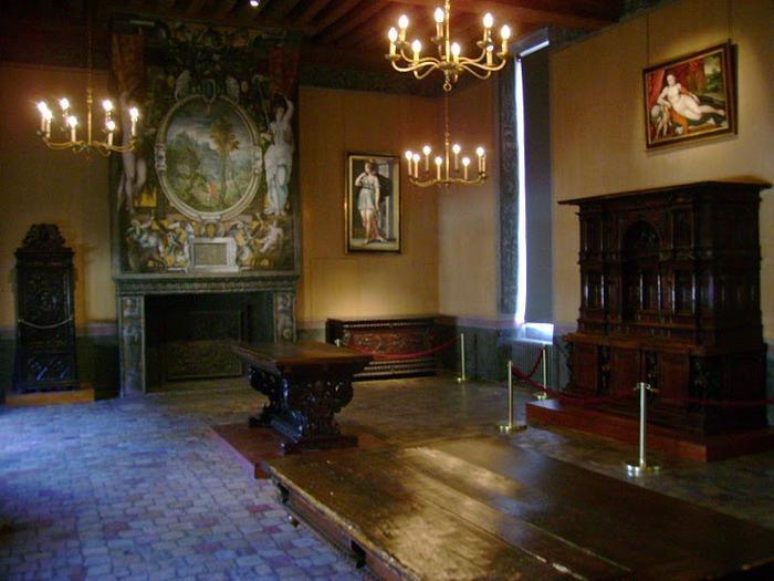 Замок Экуан он же музей Ренессанса 81575