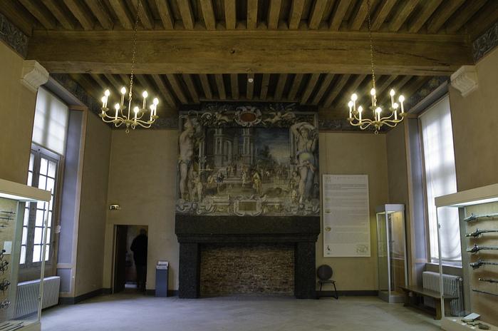 Замок Экуан он же музей Ренессанса 76977